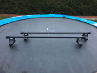 Thule Roof bars, feet and kit for Renault Megan Scenic and Ford Mondeo