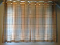 Curtains /light shade and cushion