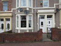 Gateshead - Furnished 2 bedroom flat, only £105.00 per week. No deposit. DSS Considered