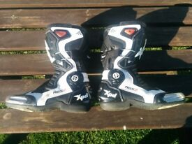XPD XP7-R UK size 9 motorcycle racing boots worn once. motorbike boots