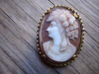 9ct Gold Plate Cameo Brooch