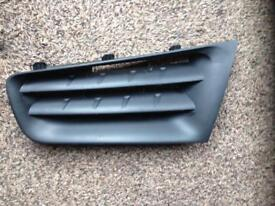 Clio Mk3 front grill n/s 2007