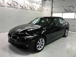2013 BMW 3 Series 328i xDrive / AWD / SUNROOF / LEATHERETTE