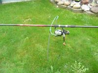 SHAKESPEARE ZENITH CARBON ROD 1850-330&ROUGE FREESPIN 60 BAITRUNNER