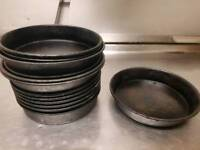 Pizza pans in different sizes