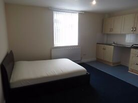 Modern Studio Flat / Room Available - Close to Trent University & City Center