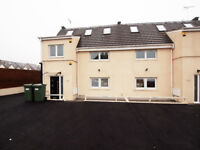 Stylish and Modern 5 bed 3 bath house with private garden and balcony