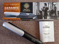 Hair therapy ceramic straightener