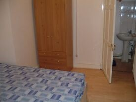 1st floor flat studio available in barking