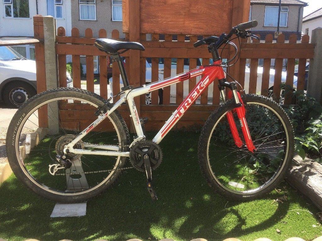 e2e482688b8 Lightweight Trek 3700 mountain bike with front suspension, 21 Shimano gears