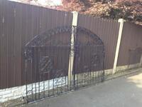 Set of 5ft tall wrought iron driveway gates £65