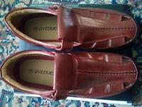 Avenue Brown Sandals Size 9