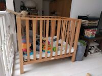 Playpen - adjustable height
