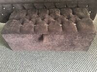Kingsize Chesterfield Sleigh Bed and Matching Ottoman