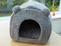 Teddy Bear Comfy Cat/Dog Igloo Bed