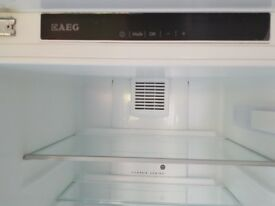 AEG Integrated Fridge A++