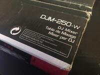 pioneer dj mixer djm 250 djm250 W White and silver 2 channel FREE P&P in the UK PAYPAL G&S ACCEPTED