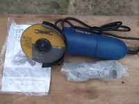 a clarke small angle grinder with new disc
