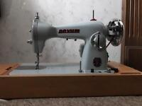 Vintage Circa 1950s Novum Deluxe Mark 3 sewing /embroidery machine