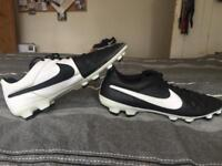 Nike Tiempo Size 10 Football Boots