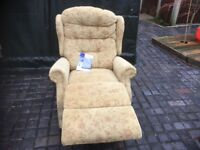 RECLINER CHAIR IN VGC