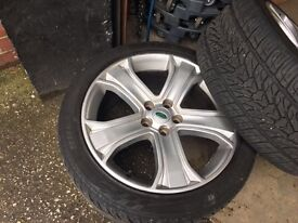 20 inch Range Rover alloys with 4 good tyers