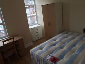 ===Lovely double room for single person available now in Cricklewood====