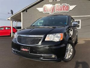 2012 Chrysler Town & Country Limited Sunroof Heated Leather Fron