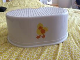 Kids Step stool, good condition, from pet and smoke free home