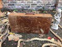 VINTAGE WOODEN BOX SUITCASE FREE DELIVERY STORAGE BOX