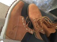 Timberland classic boots for men ( brand new)