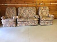 Parker Knoll Sofa / Suite