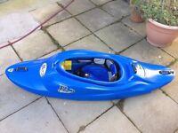 RIOT Turbo 52 - white water kayak