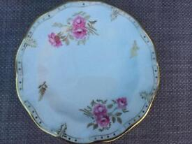 Royal crown derby china pinxton roses plate vgc