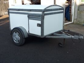 3 berth dog trailer for sale.