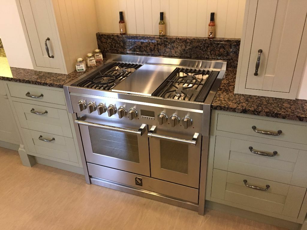 Steel cuisine genesi 100 range cooker in bedale north for Composer sa cuisine en 3d