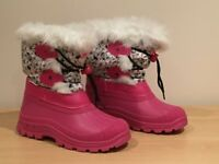 GIRLS SNOW BOOTS by TRESPASS Size UK 3/EURO 35 (THERMAL/SKI) style SNOWDREAM