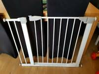 Pressure fittings Stair gate with extension