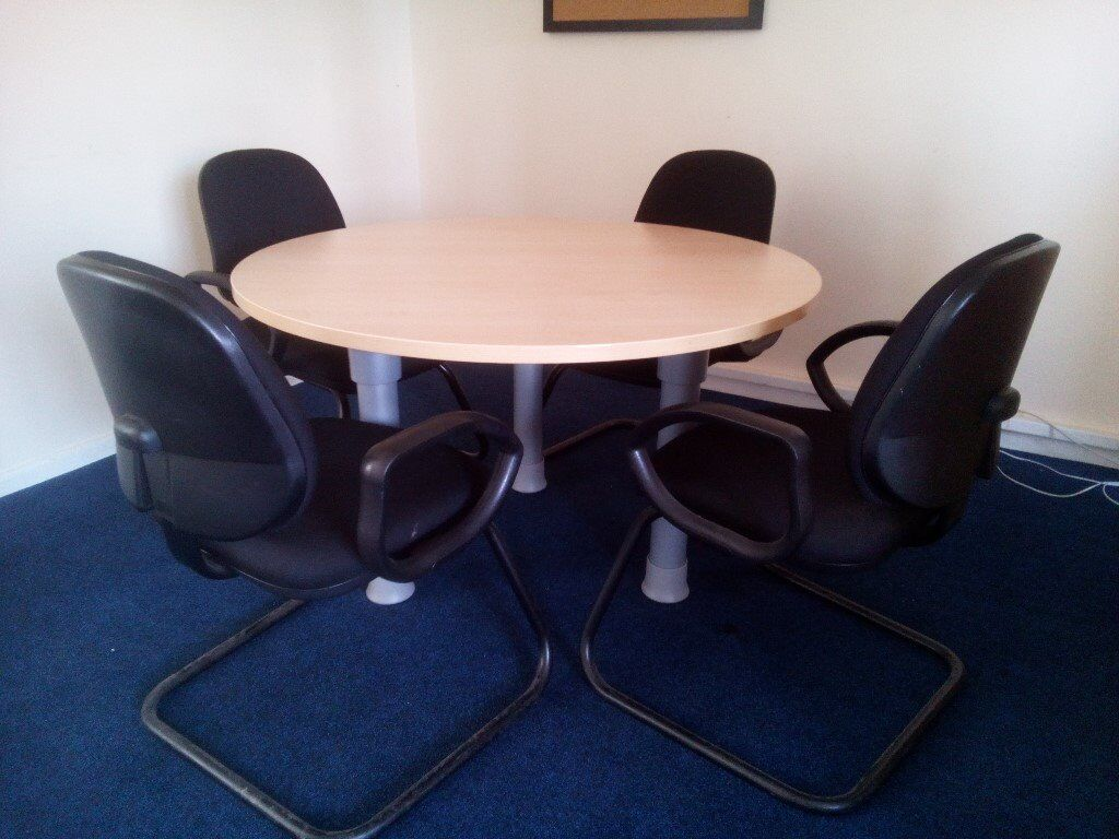 low cost 29740 c637e round office table | in Reading, Berkshire | Gumtree