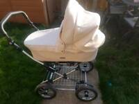 Imaculate condition! Prestige Babystyle 3 in 1 with solid chrome spring chassis