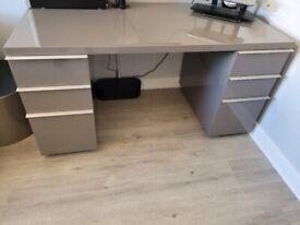 Office Desk (hardly used)