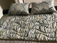 Bailey cushions