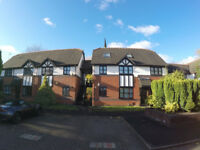 Heaton Norris 2-Bed Flat - 650PCM - No Fees - Recently Renovated
