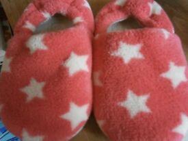 little girls slippers size 6/8