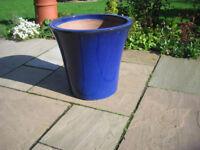 Large Blue Garden Pot excellent condition diameter 40cm, height 37.5 cm