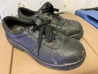 Saftey shoes size 7