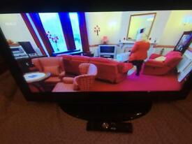 32 inch HD technika tv all freeview channels + HDMI and USB and remote very good condition