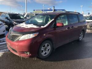 2011 Toyota Sienna * V6 7 PASSAGERS * 83 000 KM * DÉMAREUR *
