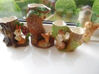 Three Hornsea/One Withernsea Fauna pottery figures