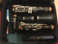 Yamaha YCL-255 Clarinet - as new plus extras inc reeds and stand